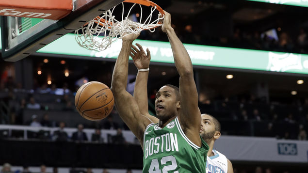 Irving y Horford comandan el triunfo de Celtics