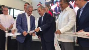 Presidente Medina encabeza apertura de plaza Downtown Mall Punta Cana
