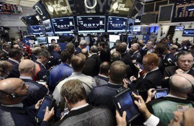 Wall Street cierra en alza de la mano de títulos bancarios