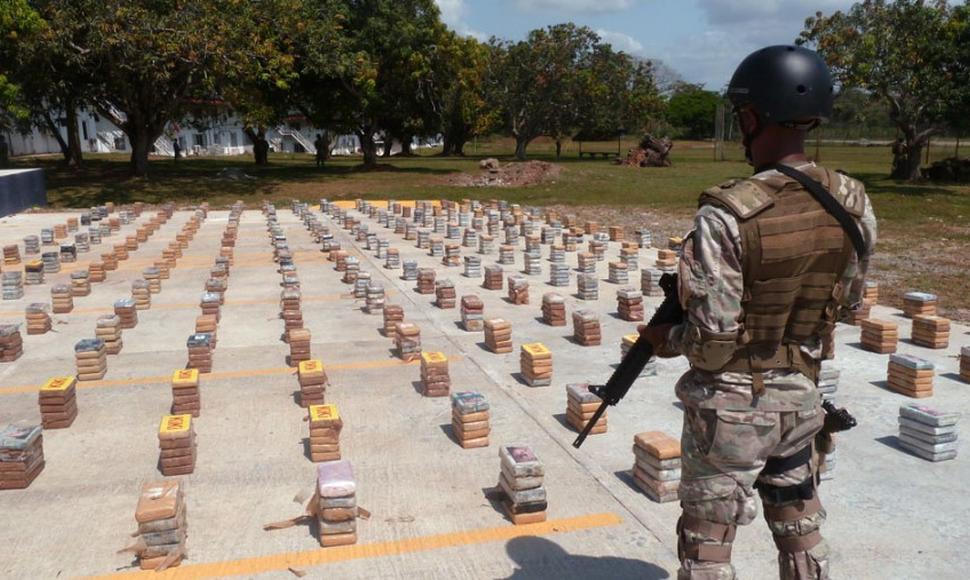México y EU analizan estrategia con el narco