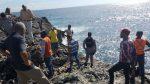 Joven de 24 años se lanza al mar Caribe con un niñito de cuatro años