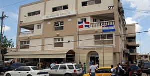 Un médico que es oficial de la Armada es  condenado a 20 años prisión por incesto