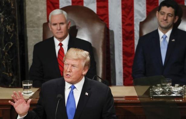 """Trump apela a un """"nuevo momento"""" en EEUU para actuar en áreas vitales"""