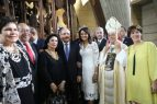 Dominicanos se vuelcan en adoración a la Virgen de la Altagracia