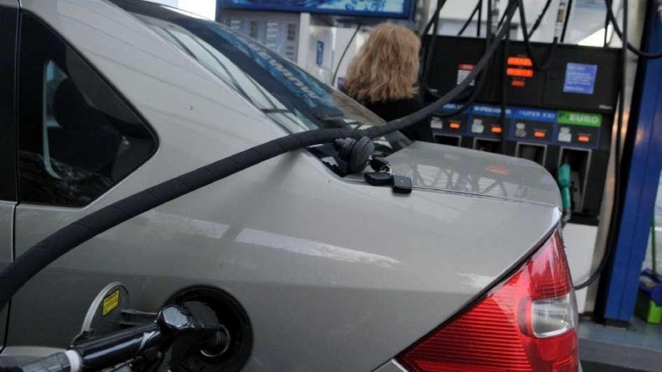 Continúan en aumento los precios de los combustibles
