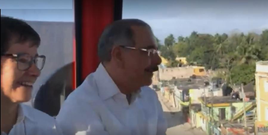 Danilo Medina destaca el ahorro que teleférico supondrá para los usuarios