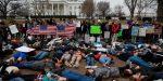 EEUU: Estudiantes exigen control de armas ante la Casa Blanca