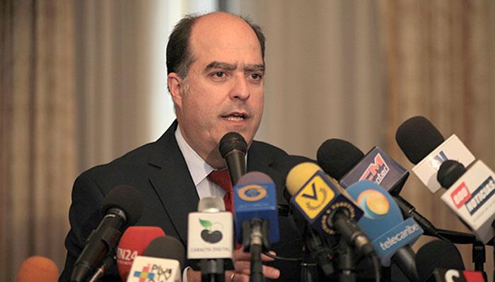 El opositor venezolano Julio Borges buscará apoyo de gobiernos para garantías electorales