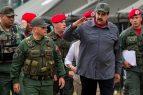 """VENEZUELA: Nicolás Maduro supervisa ejercicios por """"llamado a golpe"""""""