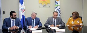 Responsables del MICM firman Código de Pautas Éticas