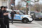 Rescatan cadáver de un río; hallan bebé muerto en parque de Queens