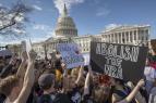 EE.UU.: Estudiantes protestan contra la violencia con armas de fuego