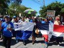 BARAHONA: Cientos maestros marchan por reivindicaciones