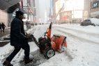 NUEVA YORK: Continúan labores de limpieza tras azote de Toby