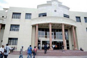 SANTIAGO: Imponen prisión preventiva a tres hombres por falsificación