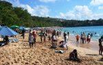 Cientos de personas disfrutan de las playas del norte tras cesar alerta