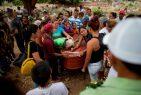 VENEZUELA: Despiden a víctimas de incendio en sepelio masivo