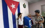 Cuba vota en elecciones que dan paso a una nueva generación al poder