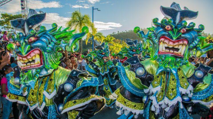 Anuncian cierre de calles por desfile del Carnaval Santo Domingo 2018