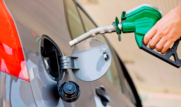 Aumentan hasta 5 pesos los precios de combustibles en R. Dominicana