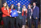 En noche dedicada a periodistas, entregan premio a Fernando Campos