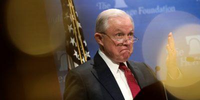 EEUU: Fiscal general amenaza con dejar cargo ante presiones de Trump