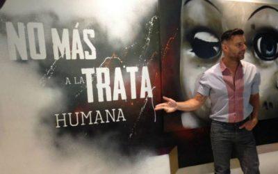 Ricky Martin pide enfrentar con dureza la trata humana