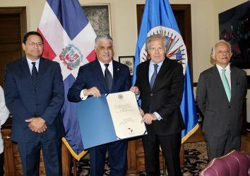 """OEA otorga al merengue el premio """"Patrimonio Cultural de Américas"""""""