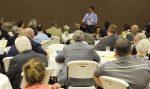 Dominicano Carlos Peña sostiene encuentros en estado La Florida