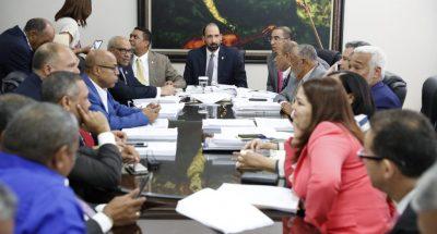 Comisión continúa analizando proyecto de ley de partidos políticos