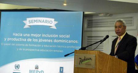 Gobierno anuncia plan para elevar acceso de jóvenes al mercado laboral