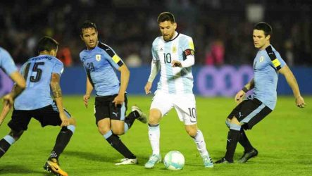 Uruguay y Argentina buscan puesto Mundial de Fútbol