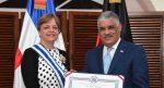 Canciller de la RD condecora a embajadora saliente de Alemania