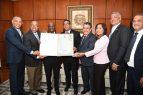 Cámara Diputados reconoce carrera artística de Cuco Valoy
