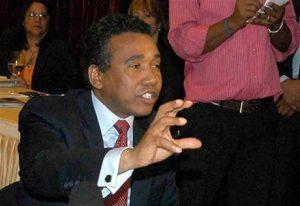 Senador Felix Bautista tilda a Felucho de «irrespetuoso y deslenguado»