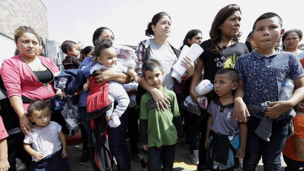 EEUU: Juez decidirá la reunificación niños indocumentados en frontera