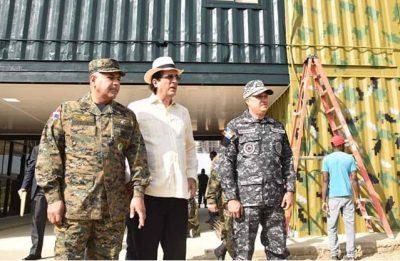 Ministro de la Presidencia supervisa trabajos puesto fronterizo Valverde