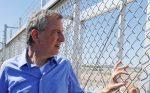 Acusan a alcalde de Nueva York de cruzar frontera ilegalmente