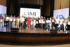Ministra de la Juventud entrega becas a 1,162 jóvenes en el marco de República Digital