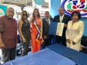 Gobernador Cuomo elogia el Desfile Dominicano de El Bronx