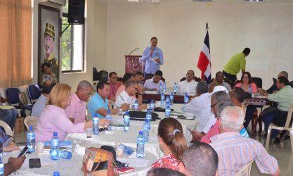 Jorge Minaya reúne voluntarios de Juegos Nacionales