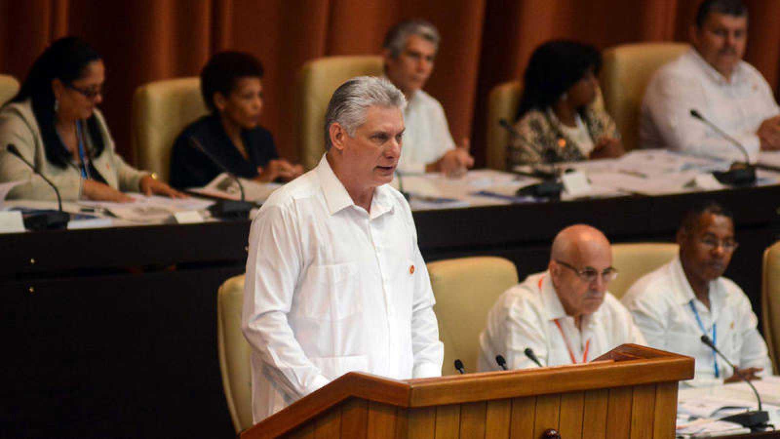 Cuba aprueba proyecto de reforma de la Constitución