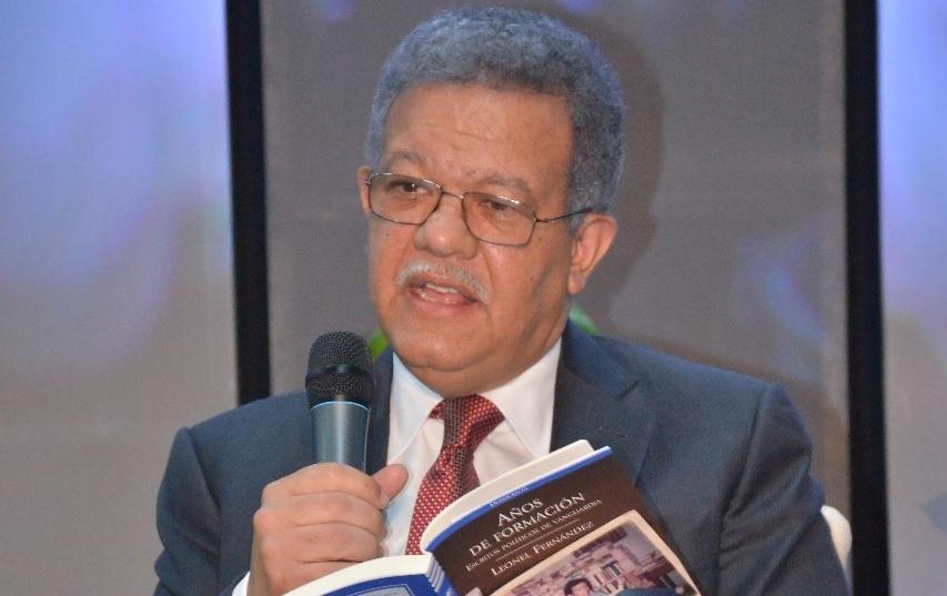 Leonel Fernández pondrá en circulación 32 libros sobre desarrollo sostenible