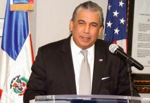 Cónsul Carlos Castillo felicita DM en sus 6 años de gestión