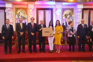 Gobierno R. Dominicana anuncia plan primer empleo para 2019