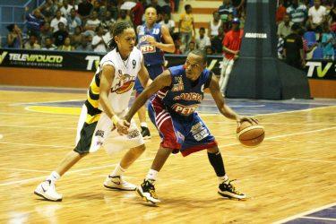 José Horacio y La Cancha se imponen basket de Moca