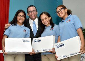 Ministro de Educación pone en marcha República Digital en Don Bosco
