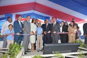 LA VEGA: Presidente Danilo Medina inaugura cuatro centros educativos