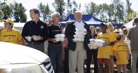 EEUU: Trump visita Carolina del Norte tras paso huracán Florence