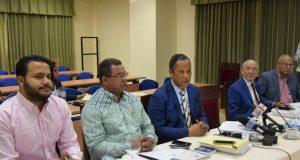 Comisión de Presupuesto cuestiona nuevas bancas